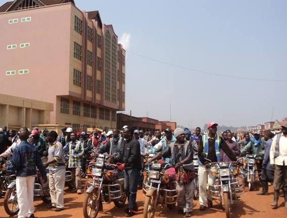 Nord-Kivu/Butembo: le maire répond à la Lucha à propos des parkings pirates
