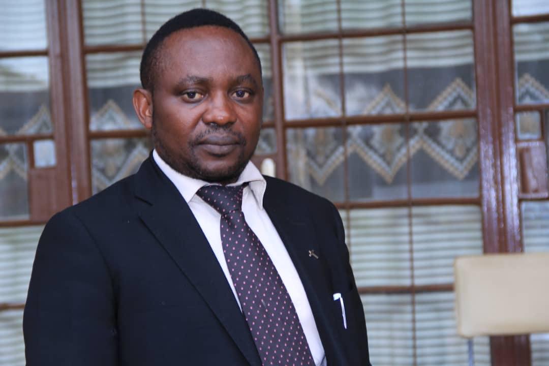 Crise FCC-CACH : Félix Tshisekedi doit s'assumer comme président opposant  ou carrément démissionner (Profeseur Abbé Malonga)