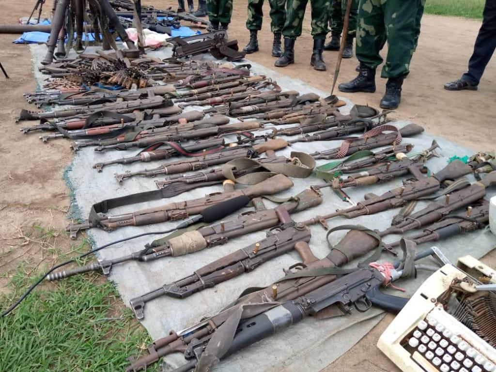 Nord-Kivu : Le gouvernement appelé à mobiliser un fond en faveur de 12 groupes armés candidats à la reddition à Lubero (Hon Lumbulumbu)