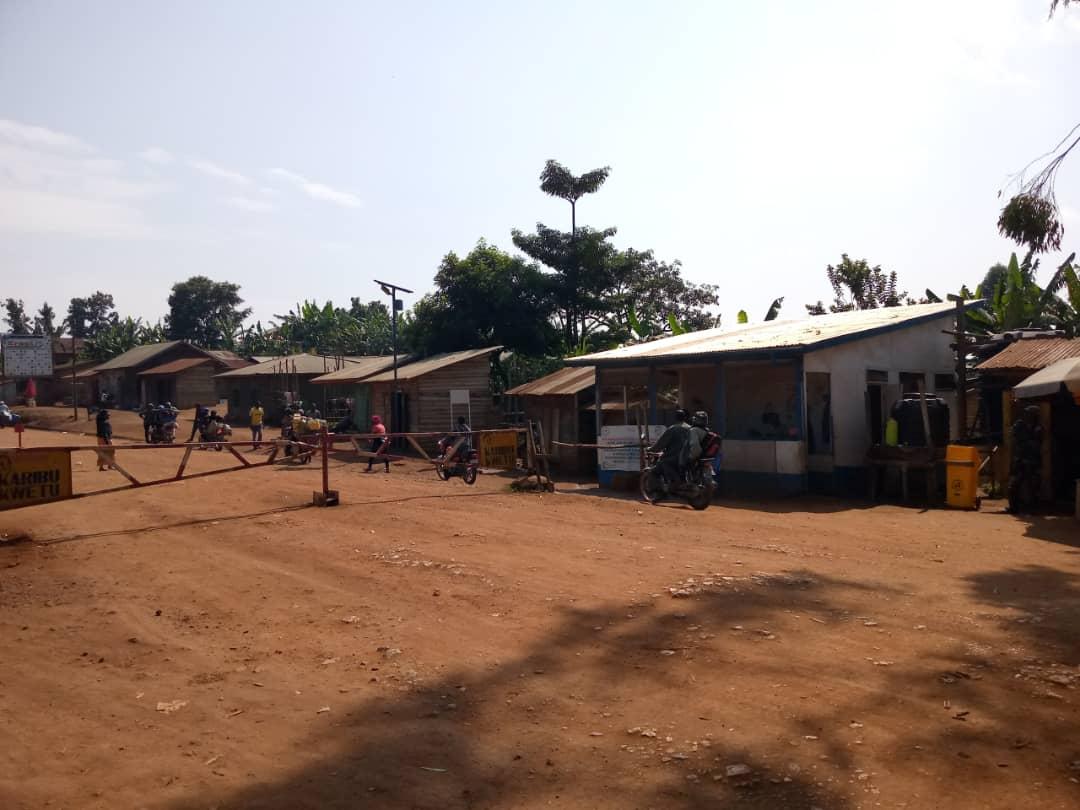 Butembo : Les usagers de l'axe Musienene réticents quant au payement de la taxe péage route à la barrière de Kyambogho