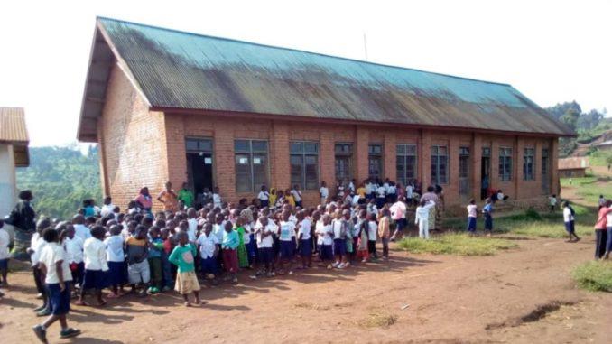Nord-Kivu : Les enseignants de Lubero dénoncent des retenues injustifiées sur leurs salaires variant entre 1000 et 5000 FC