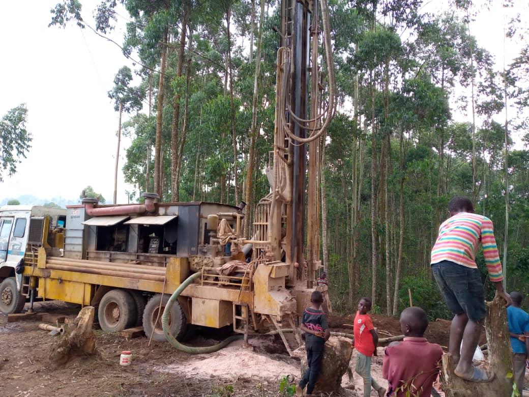 Butembo : Sur demande de la population une ONG aménage une adduction d'eau à Ngengere