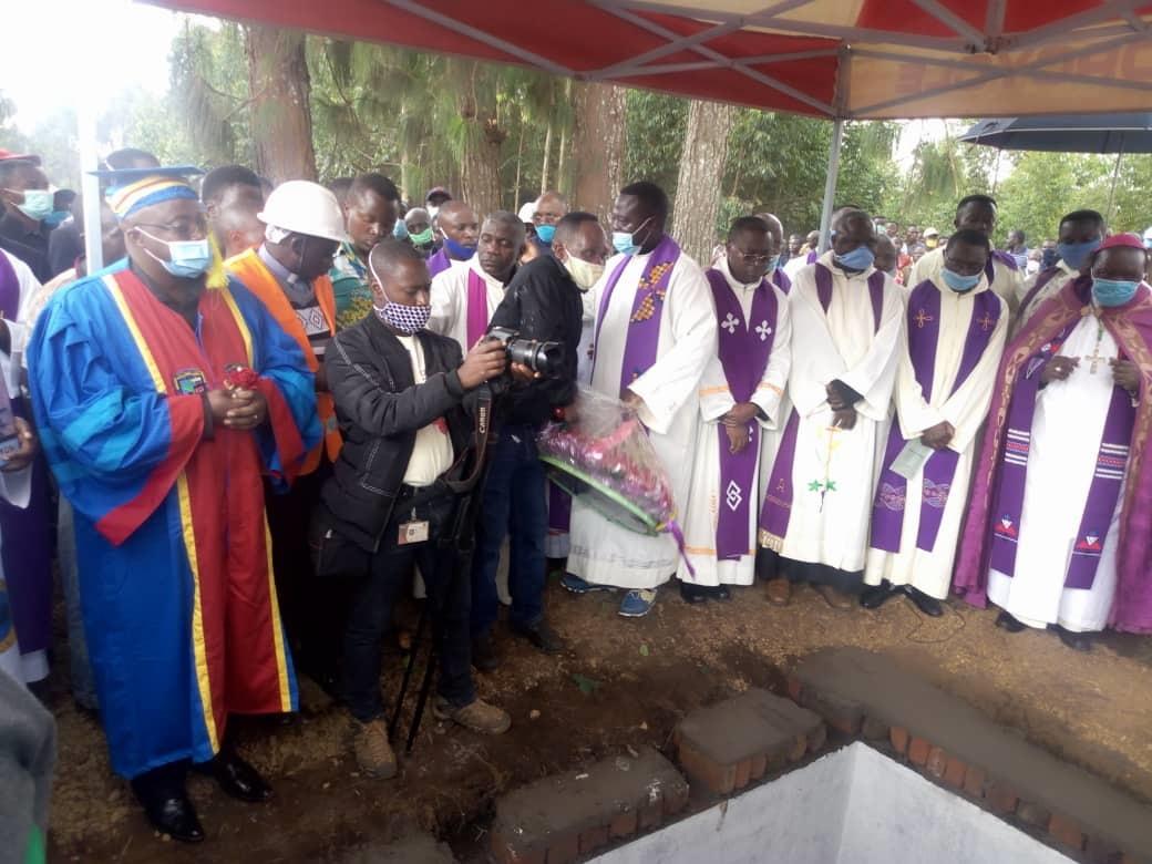 Obsèques Mgr Sokoni : L'UCG rend hommage à celui qui a fait ses premiers pas en tant qu'université.