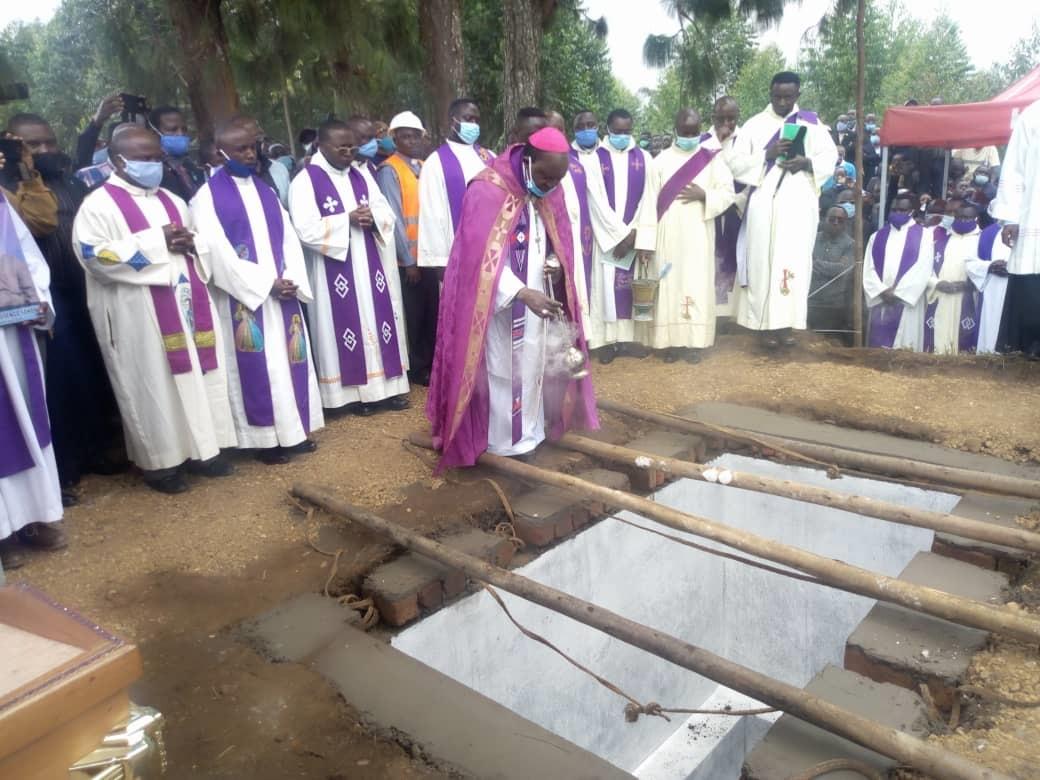 Butembo-Beni : Mgr Sokoni a su mettre en corrélation l'évangélisation et les valeurs humaines (Mgr Sikuli Paluku Melchisédech)