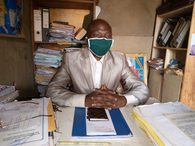 Butembo-Covid19 : «  Protégez un vieillard en lui dotant en cache-nez revient à se protéger soi-même (Safari Norbert, Association des Sages Solidaire du Troisième Age)