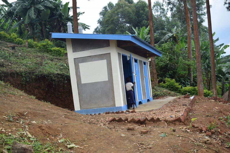 Nord-Kivu : 16 écoles et 6 structures des soins bénéficient des ouvrages d'hygiènes et assainissement en Zone de Santé de Kalunguta
