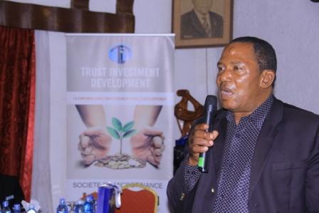 DINER  D'AFFAIRES  TID : Simon Kahehero une  des grandes fortunes  de Butembo a commencé par un régime de banane