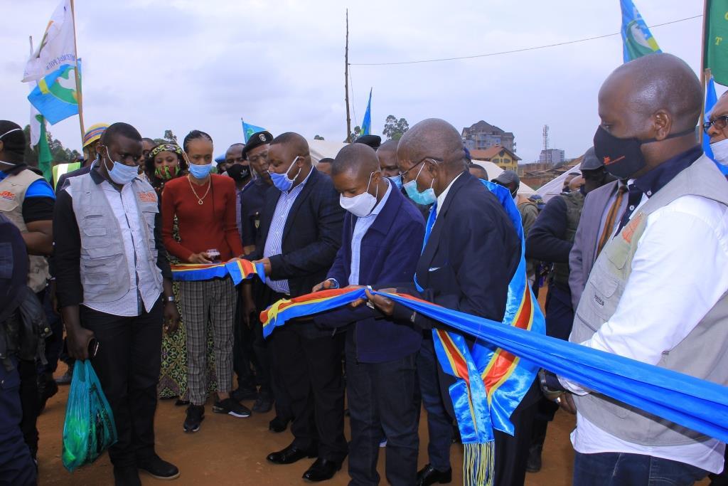 Butembo : 11 après, le pont du cinquantenaire est enfin inauguré par le Gouverneur de Province  du Nord-Kivu