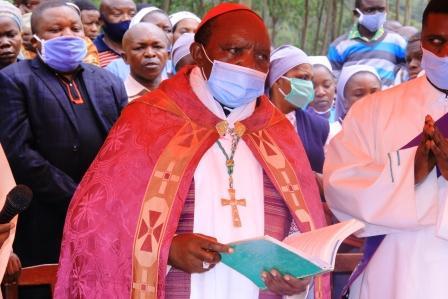 Butembo Beni : Monseigneur Sikuli annonce que la quête du dimanche 10 janvier 2021 sera consacrée aux déplacés