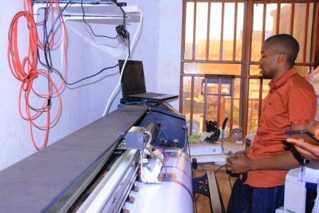 Butembo : plusieurs imprimeries et studios photos proposent désormais des services jadis recherchés à Kampala